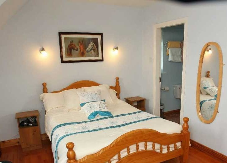Sligo Accommodation Bedroom